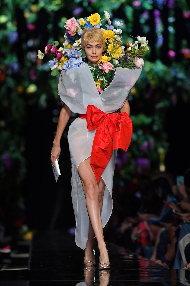 gigi hadid moschino mfw Njujork, London, Milano, Pariz: Najbolji momenti sa Nedelja mode (2. deo)