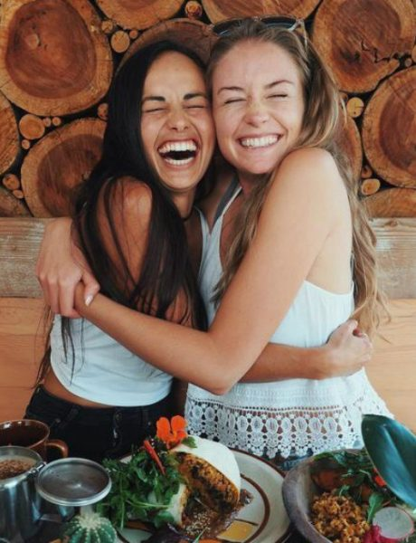 """5 načina da sa prijateljima budeš uvek u kontaktu i pored """"gustog"""" rasporeda"""