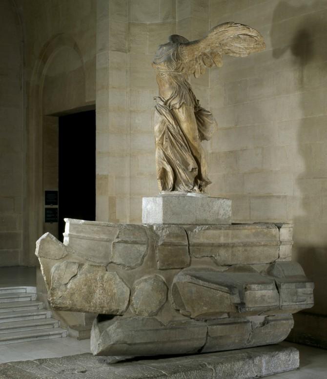skulputura krilate boginje pobede Nike sa Samotrake Svetski muzeji koje treba da posetiš: Luvr