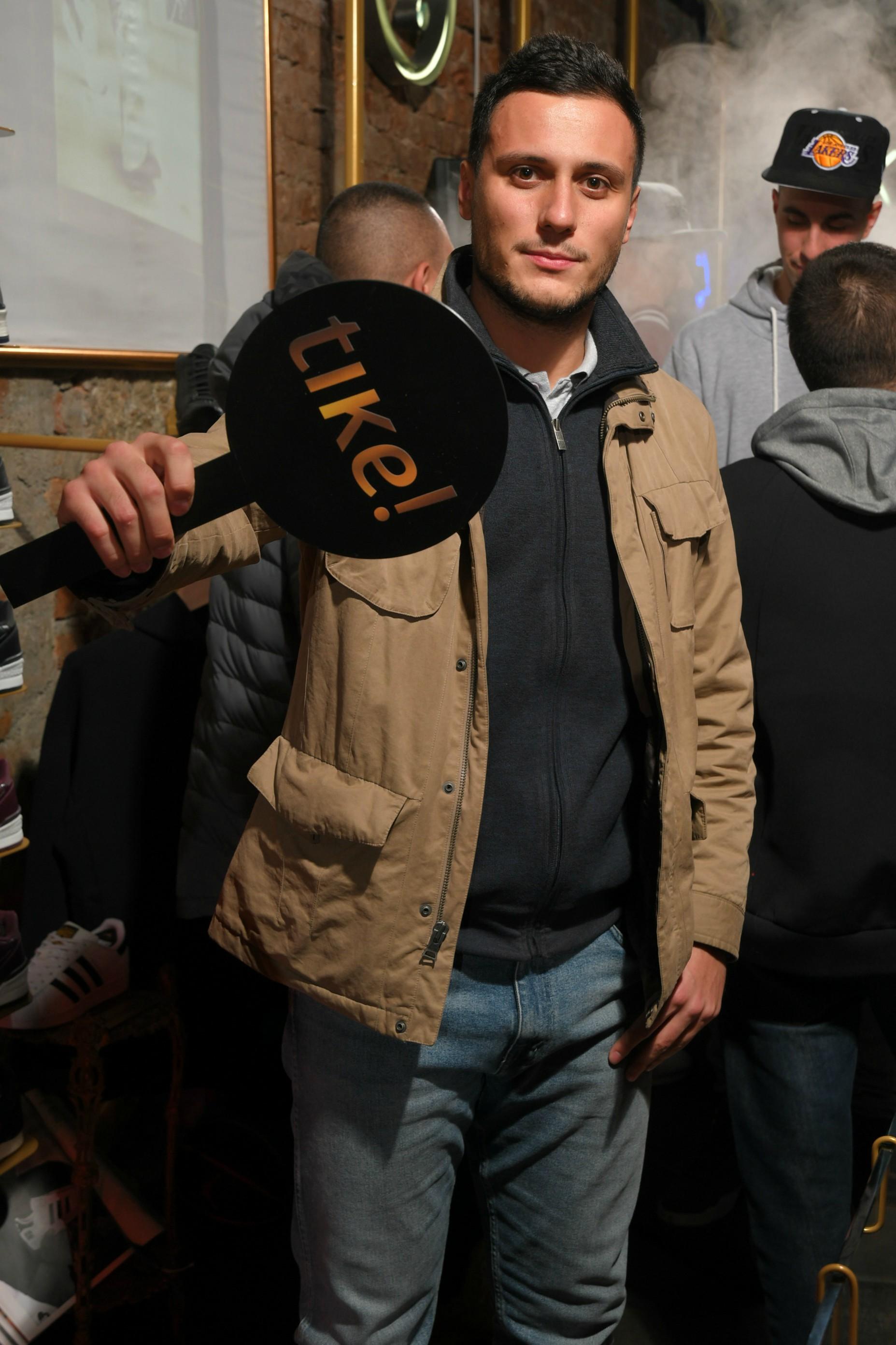Glumac Nikola Glisic Nezaboravan prvi rođendan Tike Shop a