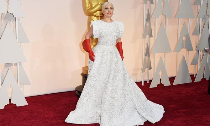 Lejdi Gaga preminuo modni kreator Azedin Alaja 1 RIP VIP – preminuo modni kreator Azedin Alaja