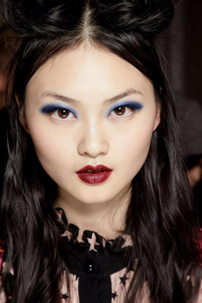 ana sui #ShadesOfBlue: Modni dizajneri najavili najveći makeup trend sezone