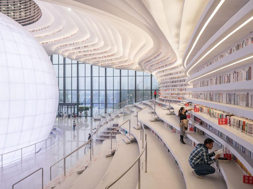 biblioteka u kini1 Novo svetsko čudo: Futuristička biblioteka u Kini neobičnog enterijera
