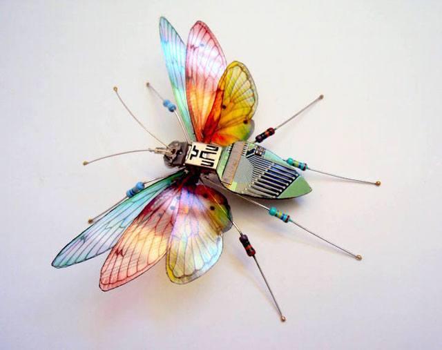 kompjuter leptir1 Naučno fantastična umetnost   kad bagovi izlete iz kompjutera