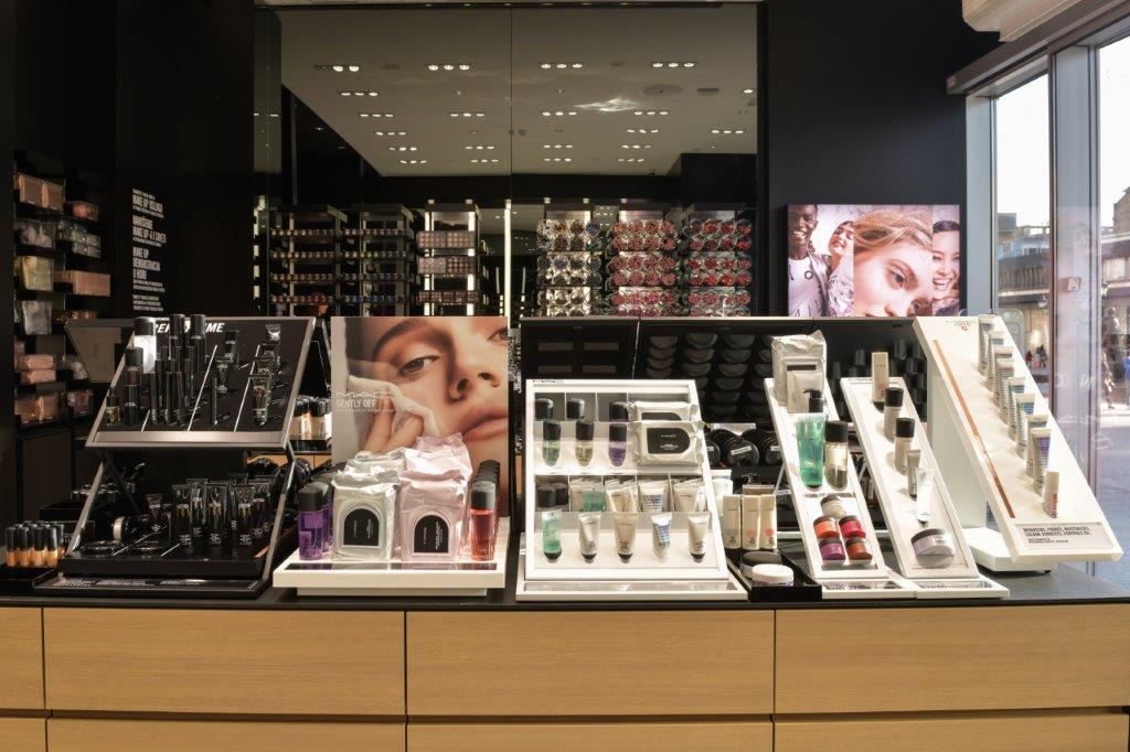 mac 1 Otvorena je prva MAC Cosmetics radnja u Novom Sadu