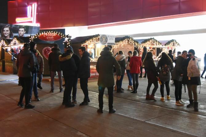 Ušće 18.12.2017 3 Praznična euforija na Christmas Platzu ispred Ušća