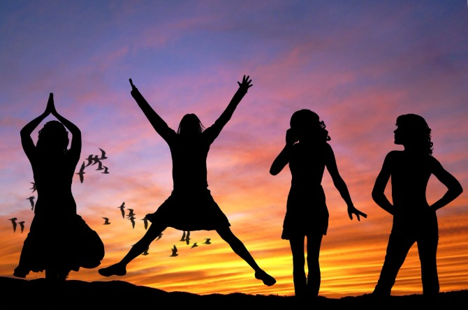 girls women happy sexy 53364 Da li si već srela članove svoje duhovne porodice?