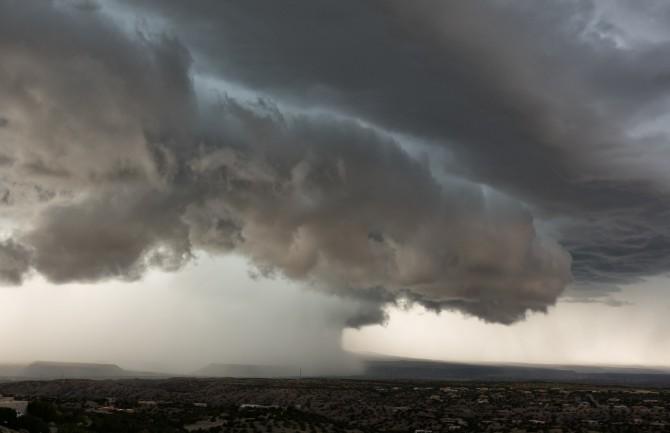 john fowler 397527 A šta kad si meteoropata koji uživa u oblačnosti i vremenskim nepogodama?