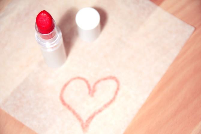 love heart makeup beauty Znaci da si predugo sama