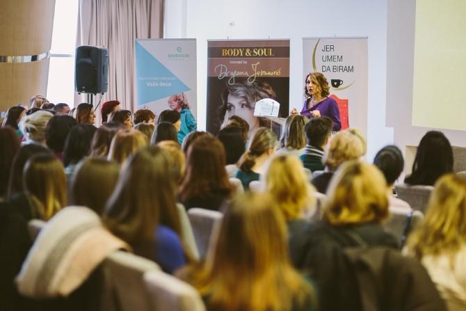Dragana Jovanović Dan za Vas Dragana Jovanović na 25. Danu za Vas predstavila svoj novi program ZEN In Business