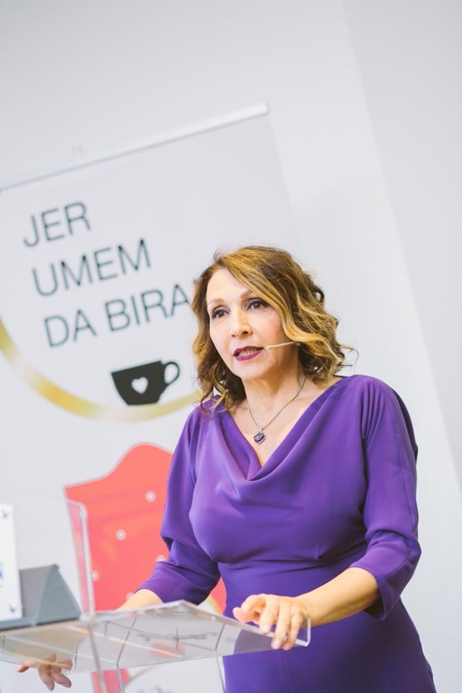Dragana Jovanovic u kreaciji BELME TVICO  poznate BH dizajnerke Dragana Jovanović na 25. Danu za Vas predstavila svoj novi program ZEN In Business