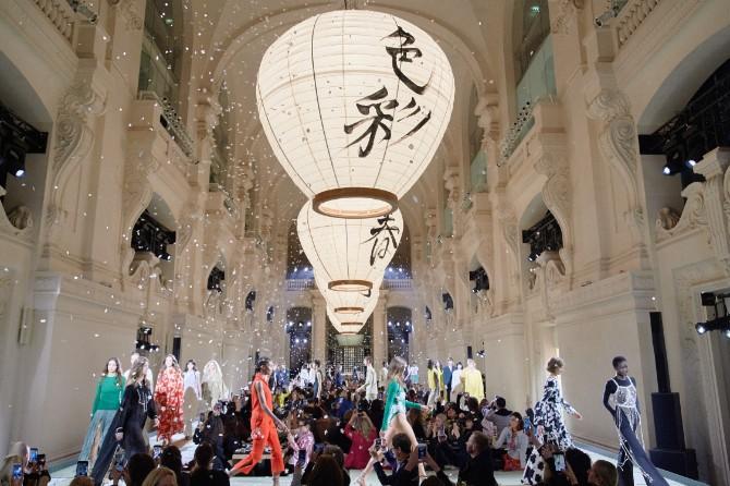 06 hmstudiosss18 event Izražen minimalizam u kolekciji H&M Studio S/S 2018 za Nedelju mode u Parizu