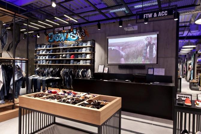 1 2 1 Otvoren prvi Fashion&Friends outlet store u Inđiji