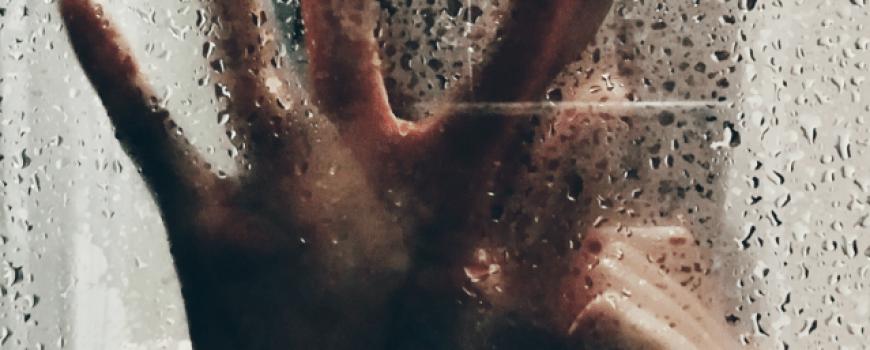 Rečenice koje u vezi predstavljaju hladno oružje – nož u srce