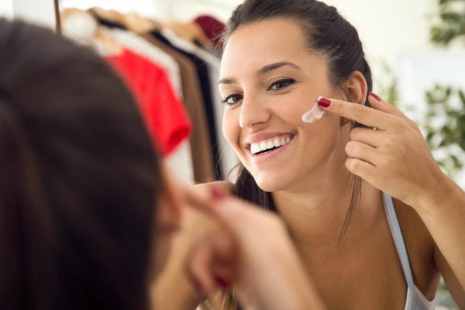loreal skin 1 Počni na vreme: Uvedi anti age negu u svoju beauty rutinu već sad