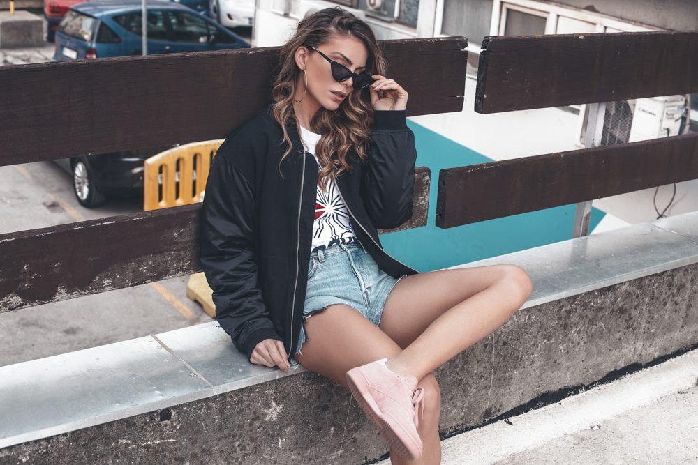 7 Tri sporty chic načina da nosiš patike ovog proleća kao Nina Seničar