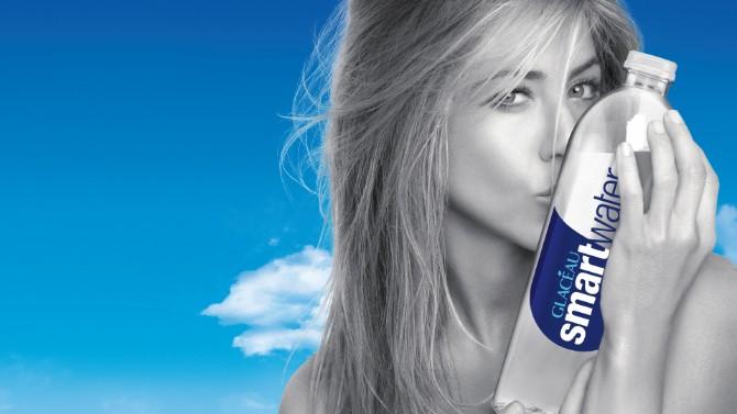 Untitled 1 Kako to radi Dzenifer Aniston: Osvežite se vodom inspirisanom oblacima