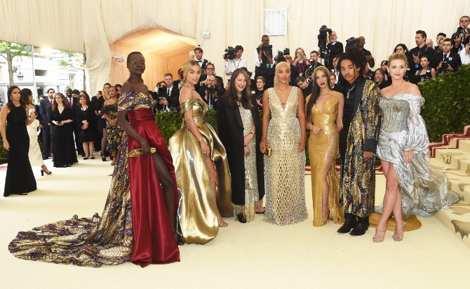 hm met gala 2018 2 H&M na Met Gala svečanosti: unikatne haljine za najvažnije modno veče