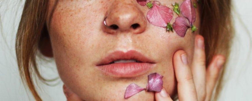 Kako da neguješ kožu lica tokom toplijih dana ( sastojcima koje sigurno imaš u svom frižideru)