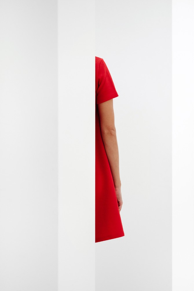 samuel zeller 413072 unsplash 1 Korenska čakra – crveno je boja uzemljenja