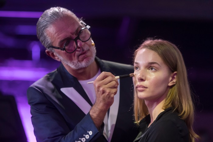 11 Bobbi Brown u Srbiji: Pogledaj KO je sve bio na promociji čuvenog makeup brenda!