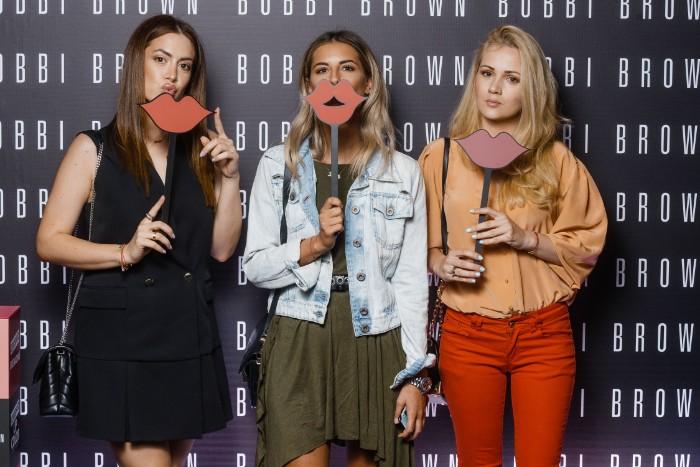 16 Bobbi Brown u Srbiji: Pogledaj KO je sve bio na promociji čuvenog makeup brenda!