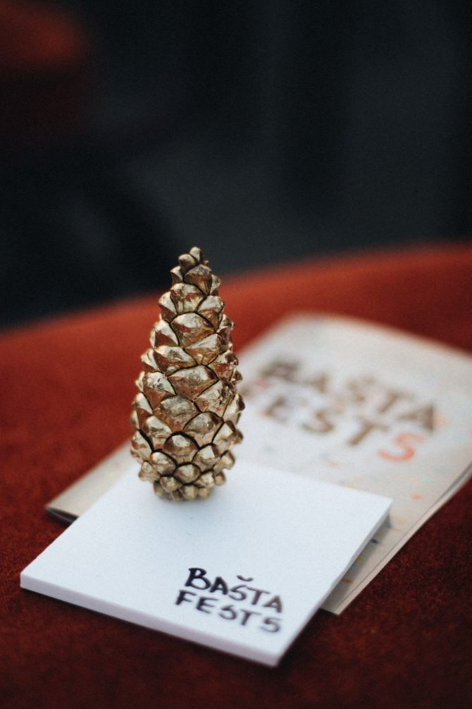 Zlatna šišarka nagrada  e1530869632551 Otvoren peti Bašta fest!