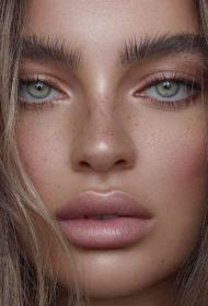 Letnji beauty trend: Kako da postigneš puniji i smeliji izgled obrva koje izgledaju prirodno