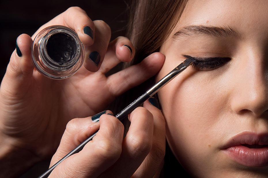 the new black gallery 1 MAC kozmetika najavljuje beauty trendove i ove sezone!