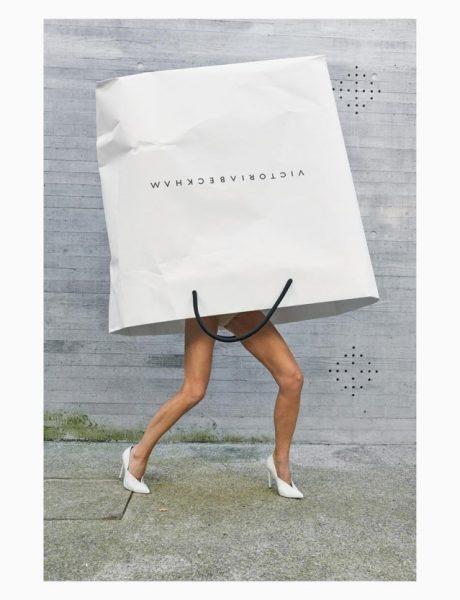 Instagram priča: Šta Viktorija Bekam radi u oversized shopping torbi?!