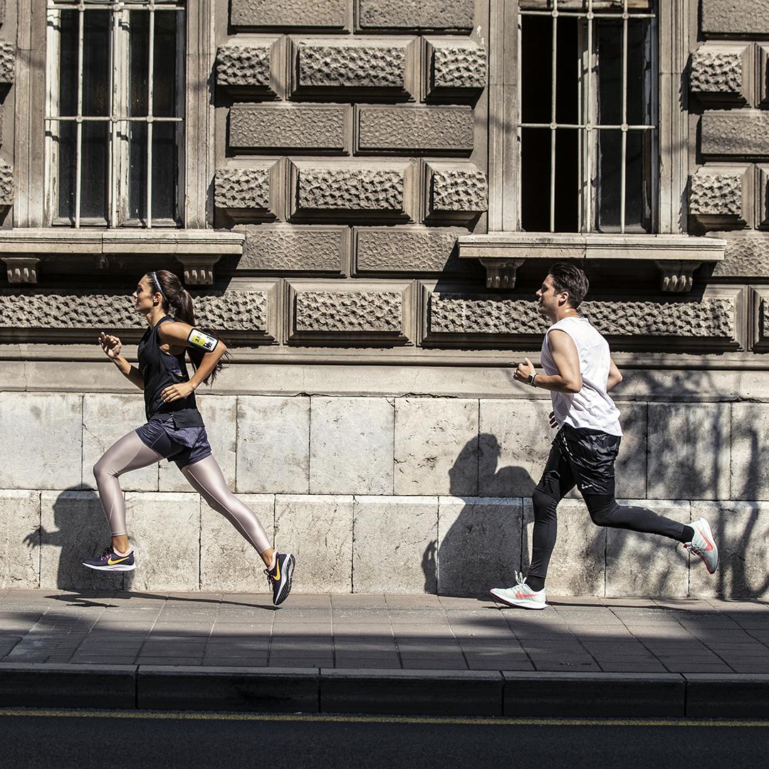 Milica Mandic i Nikola Rokvic Poslednje pripreme pred najveću Nike trku do sada: Nikola Rokvić i Milica Mandić pretrčali grad