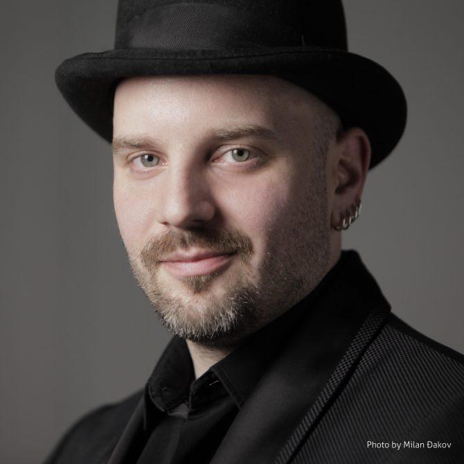 Aleksandar Sedlar e1543315695337 Čaroliju u Ušću otkrivaju hor Kolibri, orkestar Beogradska sinfonieta uz karneval 60 Deda Mrazova