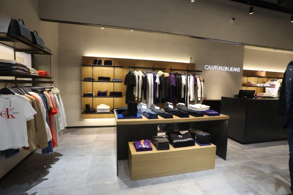 CALVIN KLEIN JEANS Fashion Company poduhvatom u Novom Sadu potvrdio lidersku poziciju