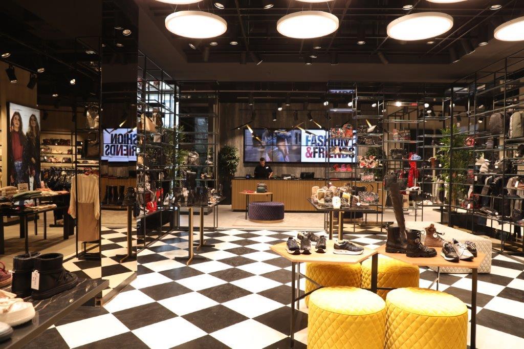 FASHIONFRIENDS Fashion Company poduhvatom u Novom Sadu potvrdio lidersku poziciju