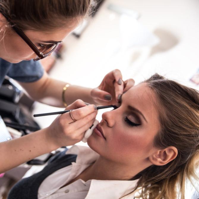 Wannabe ¸1 Profesionalni šminkeri ne mogu bez njega zamisliti šminkanje, a ti?
