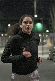 Dvoje trkača osvojilo grad uprkos mraku i kiši. I sve zabeležili fantastičnim videom!