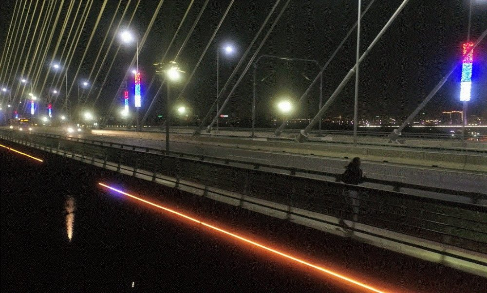 2 e1544111108201 Dvoje trkača osvojilo grad uprkos mraku i kiši. I sve zabeležili fantastičnim videom!