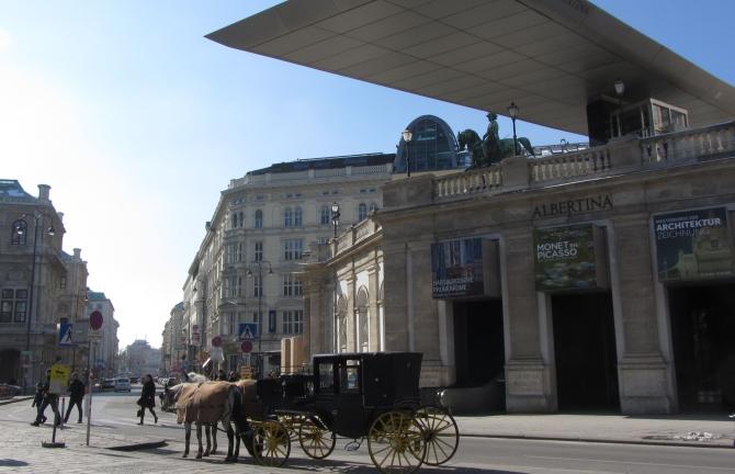 5 2 Par sunčanih sati Beča