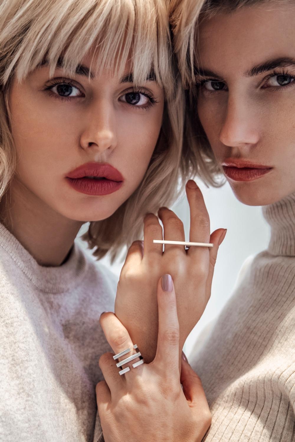 Monoi04 2 Trending Now: Geometrijski nakit u minimalističkom stilu