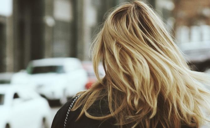 stilizovanje 1 Treba ti promena? Reši KVIZ i saznaj kakvu frizuru treba da furaš ove godine!