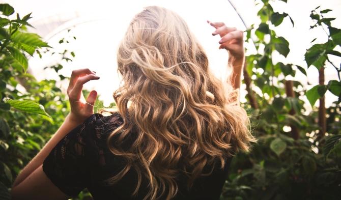 stilizovanje Treba ti promena? Reši KVIZ i saznaj kakvu frizuru treba da furaš ove godine!