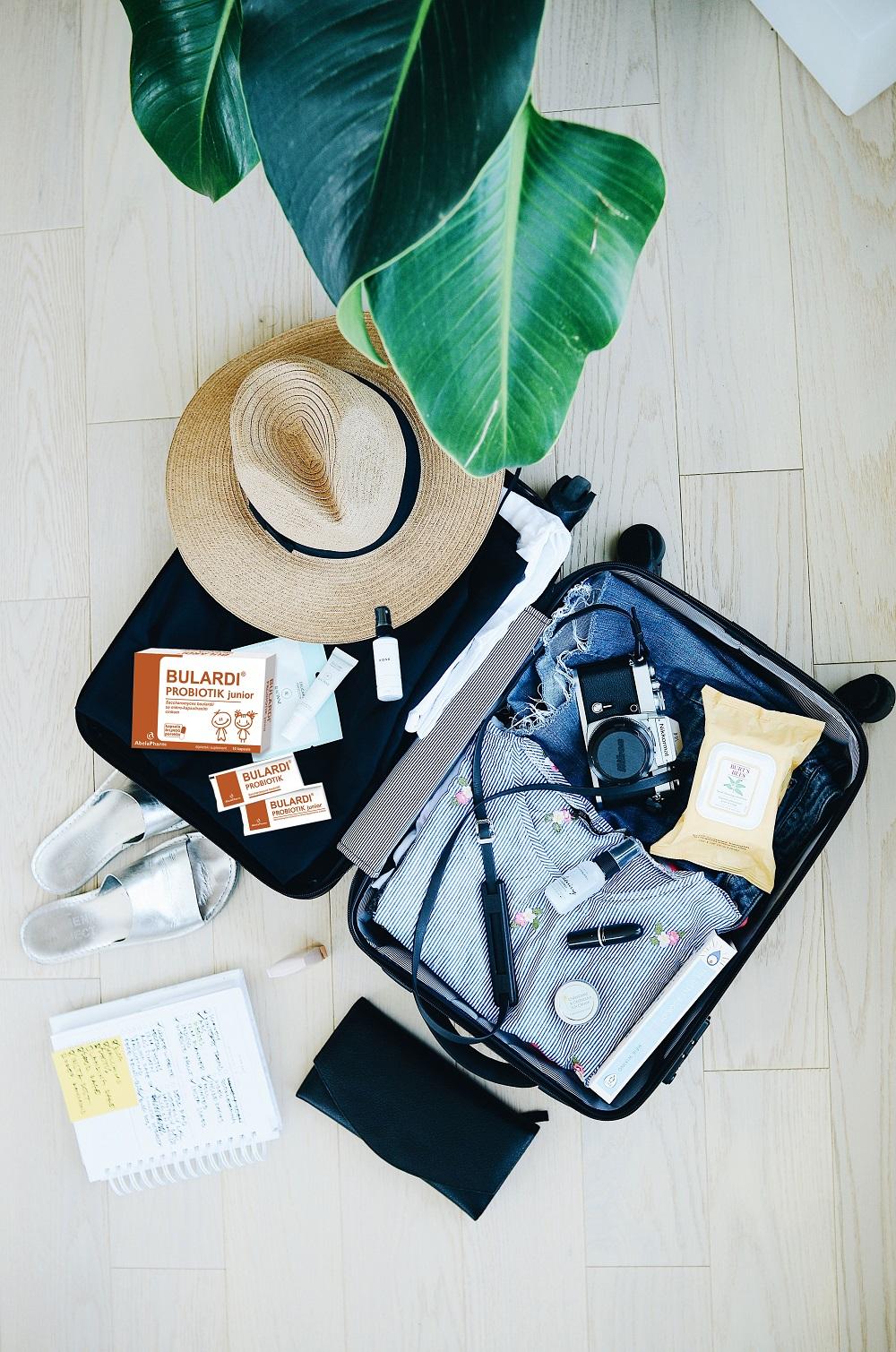 Putnička dijareja obavezno poneti i Bulardi U susret letovanju: Stvari koje obavezno treba da imaš u koferu