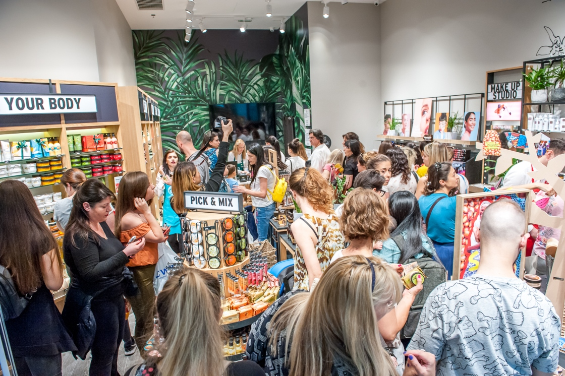 Sa današnjeg otvaranja The Body Shop prodavnice u Delta City tržnom centru 4 The Body Shop je stigao i u Delta City tržni centar!