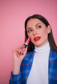 Sara Jo ti otkriva kako da pronađeš odgovarajuću nijansu crvenog karmina!