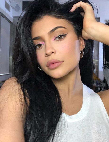 Da li je Kylie Jenner postavila novi #beautytrend?