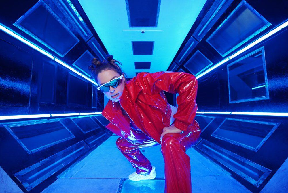 01 Sara Jo u novom spotu photo Benny Gasi e1562328549659 Potpuno novo izdanje Sare Jo: Stiže pesma Mili, mili i spot koji će te oboriti s nogu!