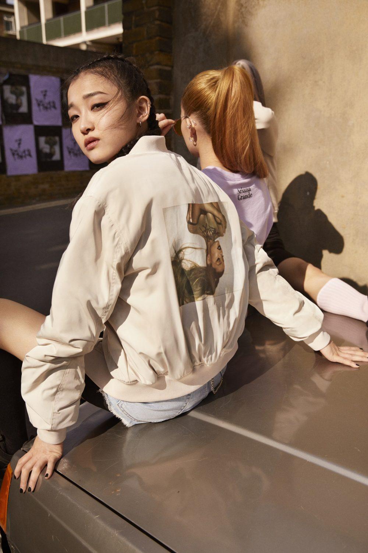 ariana grande x hm 4 e1563272171158 H&M najavljuje specijalnu Ariana Grande, thank u next kolekciju