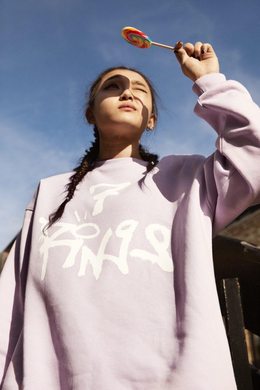 ariana grande x hm 5 e1563272180563 H&M najavljuje specijalnu Ariana Grande, thank u next kolekciju