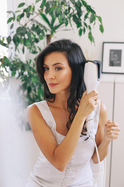 sara oster philips 1 1 Sara Oster ti otkriva jednostavne trikove kako da stilizuješ kosu i tokom leta, a da je ne oštetiš!