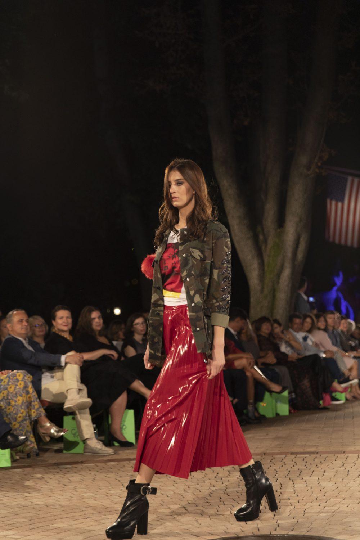 Guess e1568637661299 Fashion Company prikazao nove kolekcije na Večeri američke mode u Srbiji